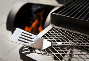 Grillzubehör - Ablage - Räuchern mit dem BBQ Smoker