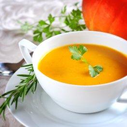 Abnehmen mit Suppen und Shakes