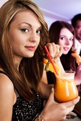 Alkohol trinken auf einer Party