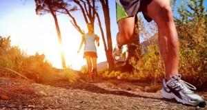 Alsterrunning - An den Laufschuhen ist ein Mikrochip befestigt.
