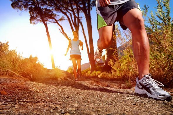 Alsterrunning - an den Laufschuhen wird ein Mikrochip befestigt. Das Smartphone braucht man nicht.