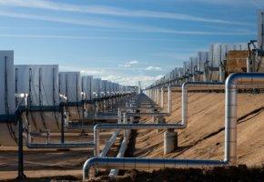 Andasol - über Rohrleitungen wird die Energie transportiert
