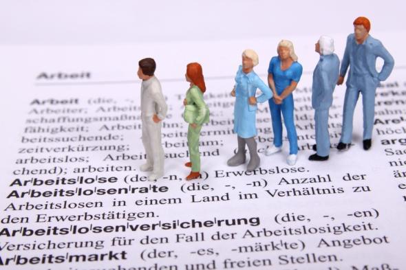 Mit der Wirtschaft soll es 2013 weiter bergauf gehen, die Arbeitslosenzahlen sollen auch 2013 weiter sinken.