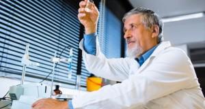Hoffnung für Krebspatienten - neue Krebsmedikamente im Labor.