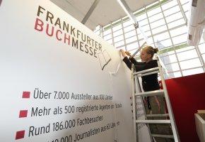Aufbau der Frankfurter Buchmesse