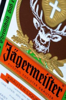 Der Jägermeister soll in Waldmeister umbenannt werden - wenn es nach der Tierrechtsorganisation PETA geht
