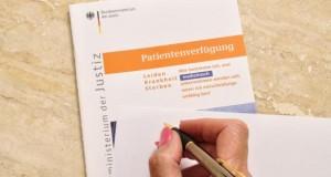 Selbstbestimmung: Mit der Patientenverfügung bestimmen wir selber was bei einer schweren Krankheit mit uns geschehen soll. Bild: © fotolia.de