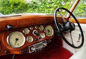 Ein Oldtimer mit Autoradio