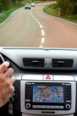 Autofahren: Orientierung mit Navigation