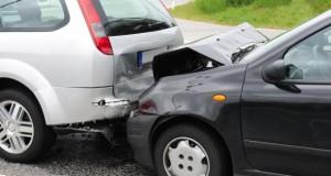 Unfall miit Sachschaden an beiden Fahrzeugen.