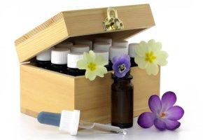 Bachblüten-Therapie - verschiedene Blütenessenzen