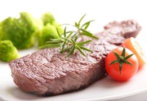 Bei der Atkins Diät kann man viel Fleisch essen