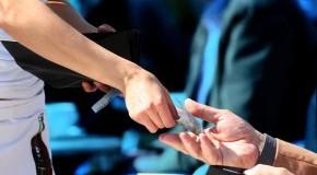 Rechnung bei der Bedienung bezahlen