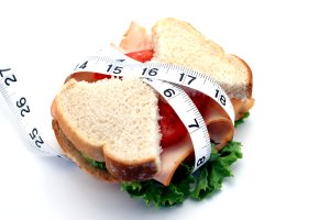 Bei der Low-Carb-Diät isst man weniger Kohlenhydrate