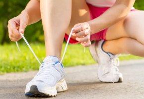 Gelenke schonen: beim Laufen auf das richtige Schuhwerk achten