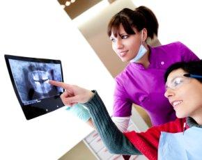 Beratungsgespräch mit der Zahnärztin