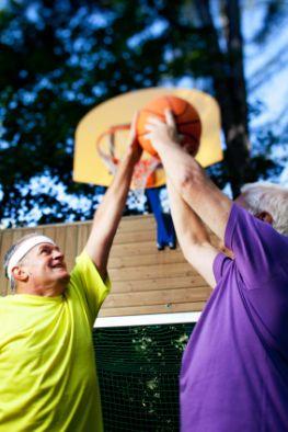Betriebsrente - auch im Alter am Ball bleiben