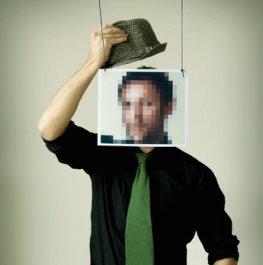 Betrüger benutzen die Identität von anderen Menschen