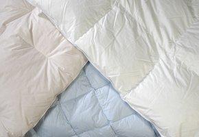 Bettwaren: Verschiedene Oberbetten im Test