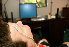 Biofeedback - der Patient entspannt mit Atemübungen