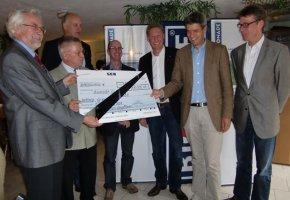Bionade: Umweltpreis 2010 mit Peter Kowalsky in der Mitte