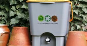Mit Bokashi kann auf einfache Weise seinen Küchenabfall kompostieren.
