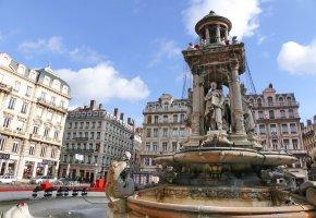 Lyon: Brunnen in der Stadt