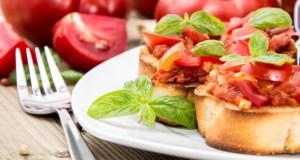 Die Bruschetta wird in Italien als Vor- oder leichte Hauptspeise gegessen.