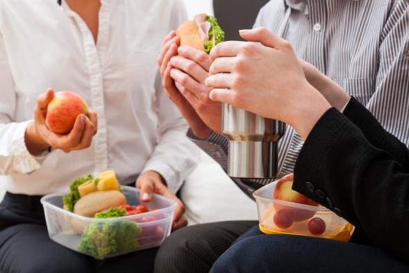Die Büro-Diät hilft beim abnehmen.