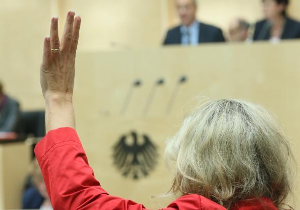 Abstimmung über Gesetze im Bundesrat.