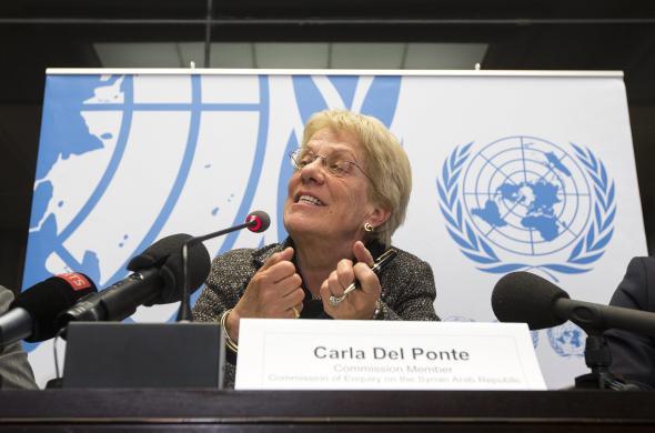 Carla del Ponte berichtet bei einer Pressekonferenz in Genf über neue Erkenntnisse zu Kriegsverbrechen in Syrien.
