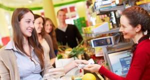 Cashback: Statt am Bankautomaten kann man auch im Supermarkt sein Geldabheben.