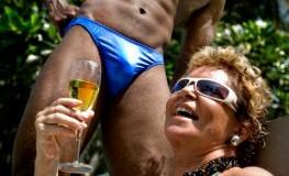 Cougar Pärchen - Reife Frauen nehmen sich junge Männer