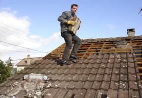 Mit der Dachsanierung kann man auch Geld sparen