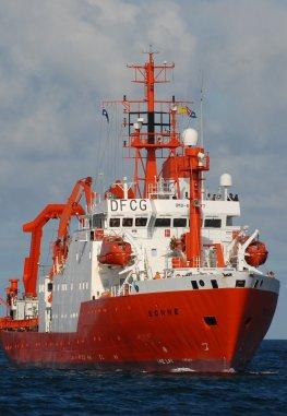 Das Forschungsschiff SONNE unterwegs nach Fukushima