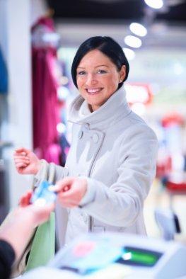 Bezahlsystem - den Einkauf mit der Kreditkarte bezahlen