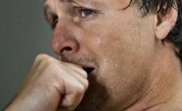 Depressionen - der Mann leidet unter seinen psychischen Störungen