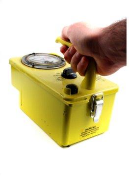 Der Geigerzähler misst Radioaktivität
