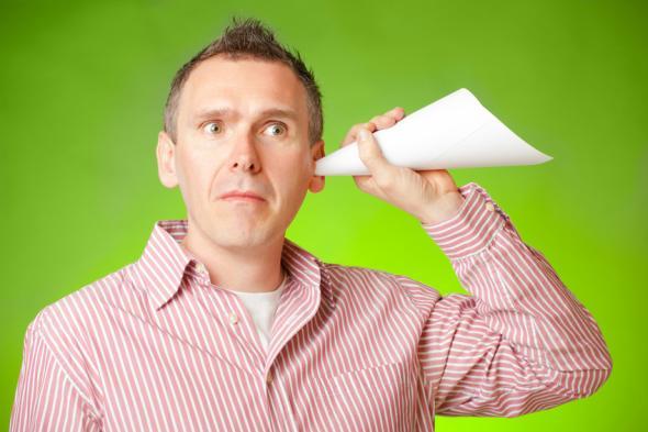 Der Hörsturz vermindert das Hörvermögen.