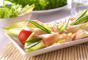 Diät: Ernährungsumstellung mit frischen Salat