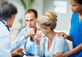 Psychoonkologie: Diagnose Krebs - eine verzweifelte Frau