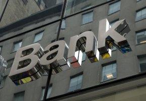 Die Banken kassieren wieder ab
