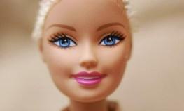 Die Barbie-Puppe ohne Haare und Glatze wird kommen
