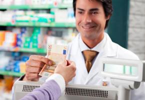 Die Erste-Hilfe-Box und Medikamente bezahlen