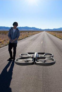 Die neue Parrot.AR Drone 2.0 macht das Fliegen noch einfacher