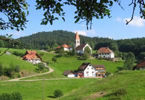 Ansicht von einem Dorf im Schwarzwald