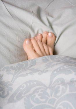 Durchblutungsstörungen: Kalte Füße im Bett