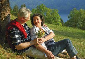 Ein altes Ehepaar das sich liebt