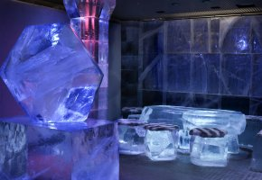 Eisiges Ambiente - die Absolut-Icebar in Stockholm