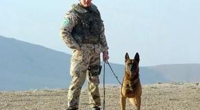 Elite-Soldat und Hundeführer Robert Sedlatzek-Müller in Afghanistan